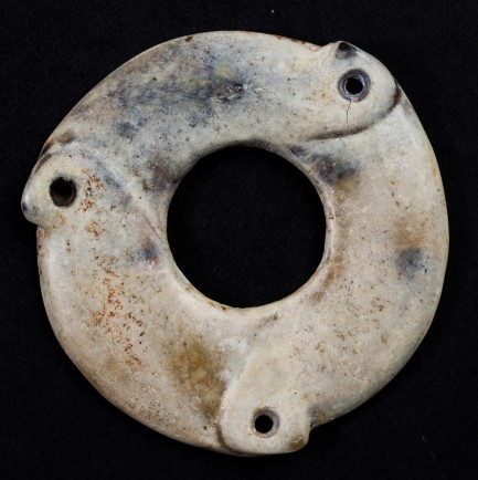 Figure 39. Liangzhu disc with cracks on the crust.